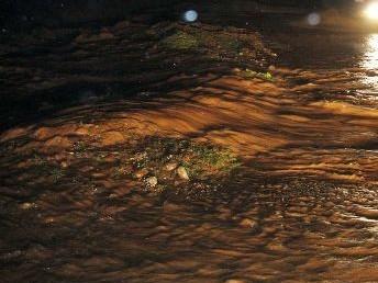 Hilvan'da sel can alıyordu