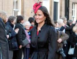 Görkemli bir düğünle İngiltere Prensi Williamla evlenen Kate Midletonın kız kardeşi Pippa Middletona porno film teklifi geldi.