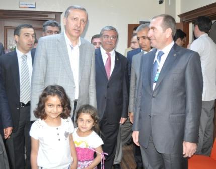Erdoğan, Yeni parti binasını açtı