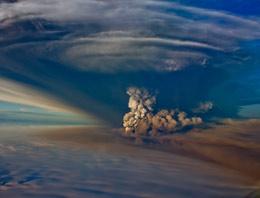 Çıkan külleri nedeniyle Avrupayı tehdit eden İzlandadaki Grimsvötn yanardağından iyi haber geldi!