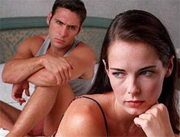 Uzun süreli ilişkilerin en büyük sorunlarından biri olan cinsel isteksizliğin birçok nedeni olabilir. İşte çözüm önerileri