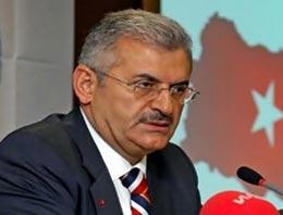 AK Parti İzmir milletvekili adayı Binali Yıldırım, İzmir için plaka kodunda olduğu gibi 35 proje öngördüklerini belirtti