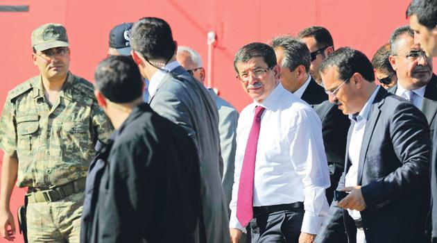 Davutoğlu, Suriyeli mülteciler için devrede