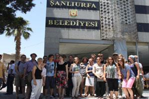 Hollandalı Öğrenciler Urfa Belediyesini Ziyaret Etti
