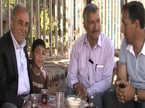 Fakıbaba Berber Çırağından Türkü Dinledi