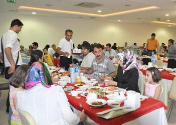 Doktorlar iftar'da buluştu.