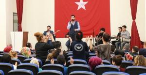 Urfa'daki kadın hükümlülerin müzik keyfi