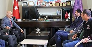 Başkan Ekinci'den Bakkallar ve Bayiler Odasını ziyaret etti.