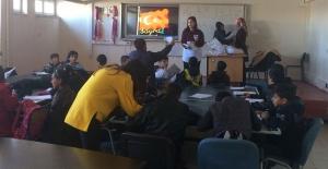 HRÜ Eğitim Fakültesi Öğrencilerinden Okuma Yazma Seferberliğine Destek