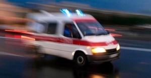 Merdivenlerden düşen çocuk ağır yaralandı