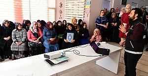 Urfa'da kadın kursiyerlere aile yapısının korunması anlatıldı