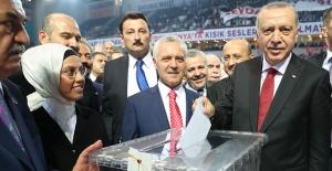 AK Parti 6. Olağan Büyük Kongresinde...