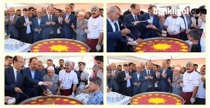 Cumhurbaşkanlığı tarafından Şanlıurfa'da Aşure Dağıtıldı (VİDEOLU)