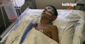 Parkta Akıma Kapılan Çocuk Ağır Yaralandı