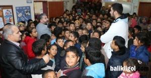Şanlıurfa Büyükşehir'den köy okuluna kitap desteği