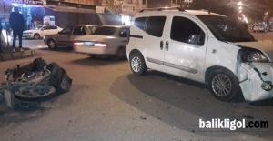 Eyyübiye'de motosiklet ile ticari taksi çarpıştı