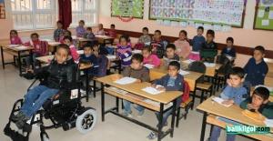 Şanlıurfa Büyükşehir Belediyesi Engelli Ahmetin Sesine Kulak Verdi