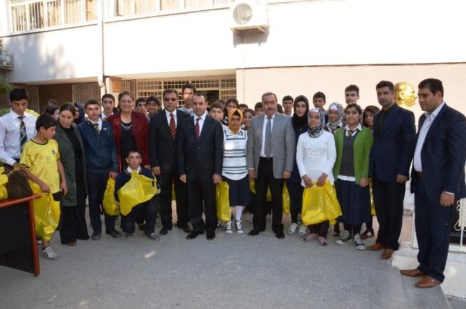 Gazi Lisesinin Başarılı Öğrenciler Ödüllendirildi
