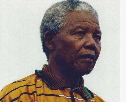 Efsanevi lider Nelson Mandela hayatını kaybetti