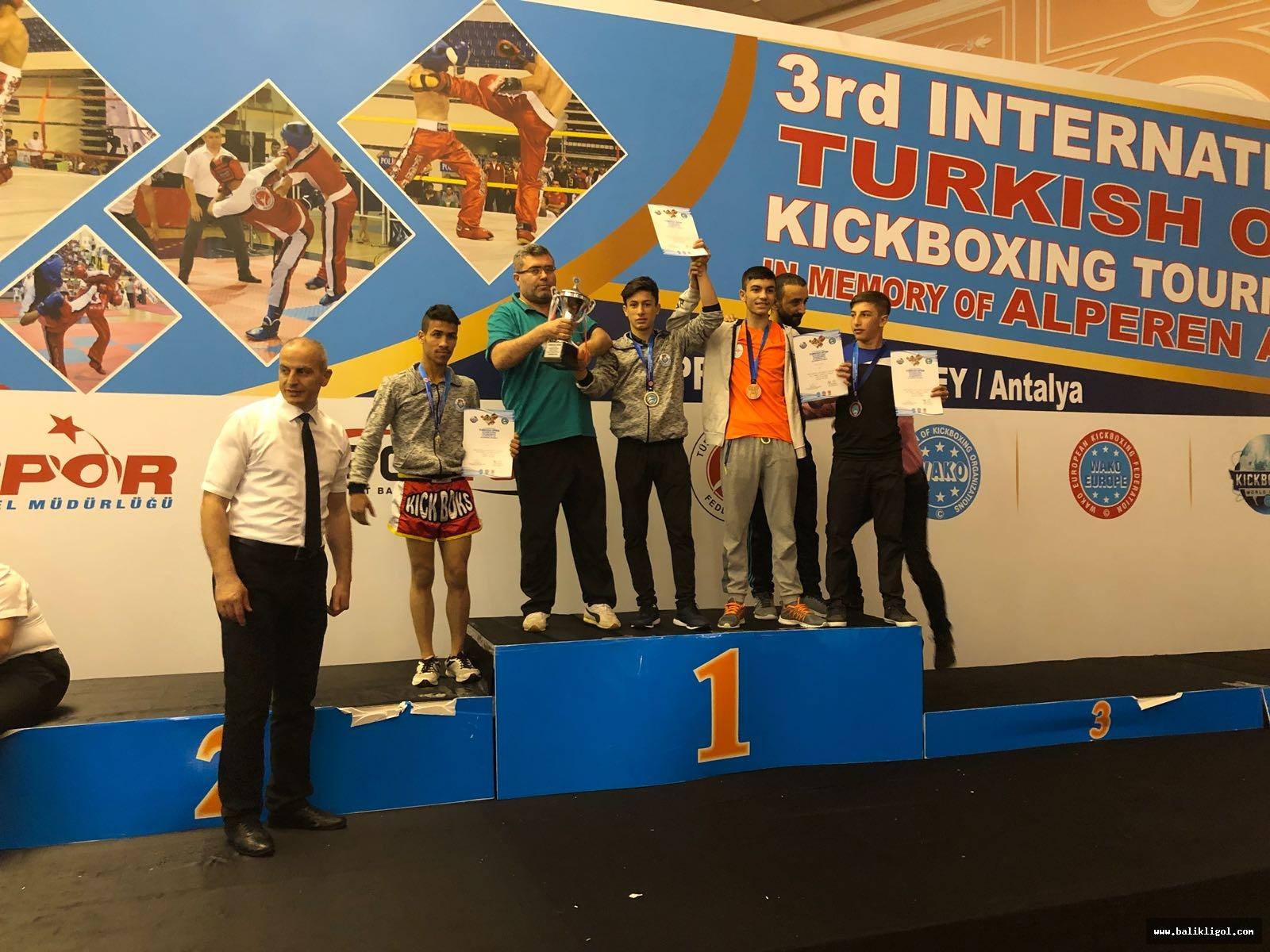 3. Uluslararası Türkiye Açık Kick Boks Turnuvasına Damga Vurdular