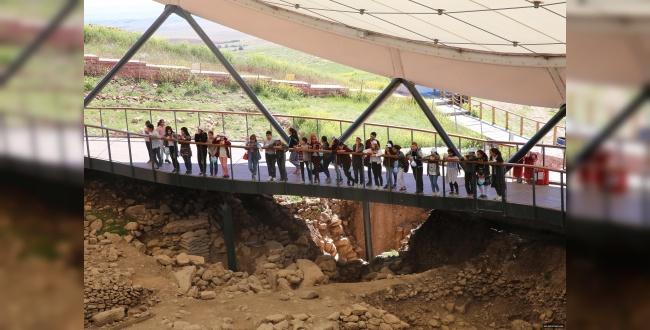 Haliliyeli Gençler Göbeklitepe'yi ziyaret ettiler