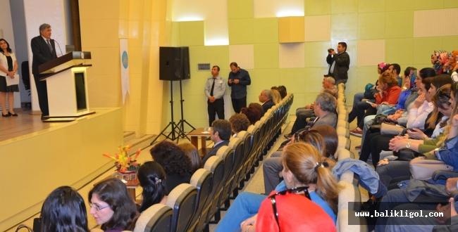 HRÜ'de Hemşirelikte Kendini Geliştirmenin Önemi Konferansı