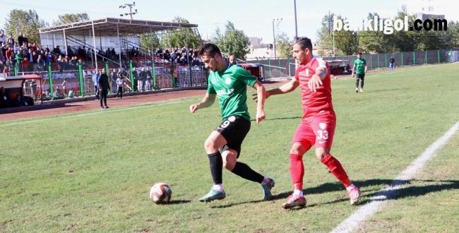 Karaköprü Belediyespor Nevşehir Belediyespor'u mağlup etti.