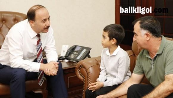 Vali Küçük Kemal'i makamında ağırladı
