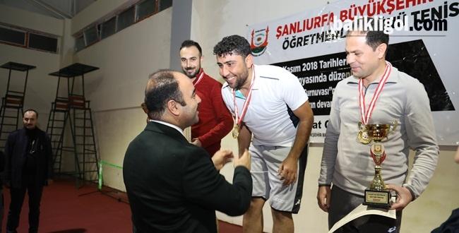Urfa'da 24 Kasım Öğretmenler Günü Dolayısıyla Tenis Turnuvası Düzenlendi