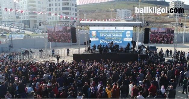 Urfa'daki Sevcan Orhan Konserine Yoğun İlgi