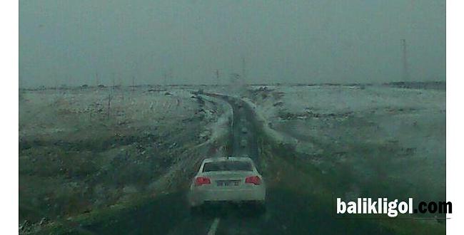 Karacadağ'a yılın ilk karı yağdı