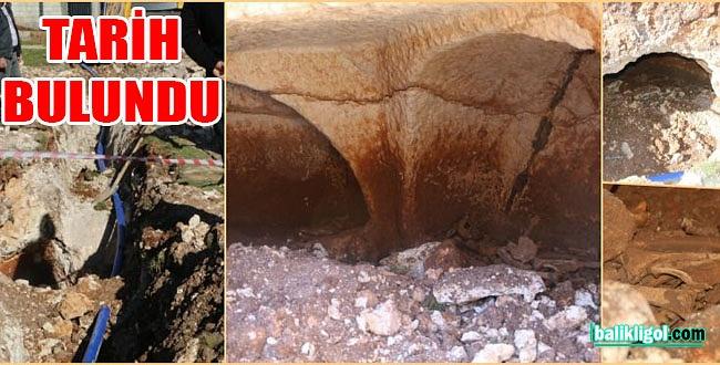 Bozova'da kanalizasyon kazısında Roma dönemine ait mezar odası bulundu