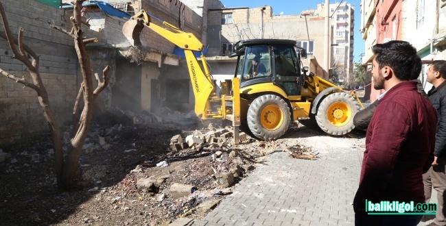 Haliliye'de 3 Metruk Bina Yıkımı Gerçekleştirildi