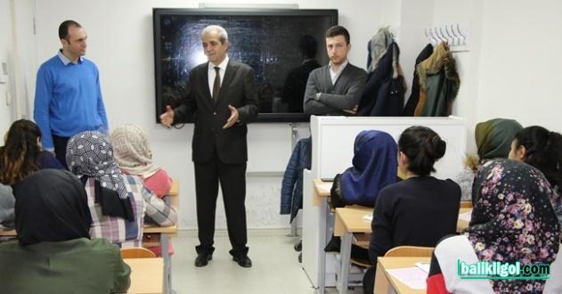 Haliliye Gençlik Merkezinde Gençler Geleceğe Hazırlanıyor