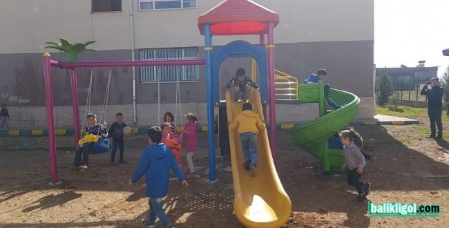 Karaköprü köy Çocukları İçin oyun Parkları Yapılıyor