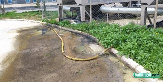 Suruç Devlet Hastanesi bölgesinde yer altı suyu bodrumları doldurdu