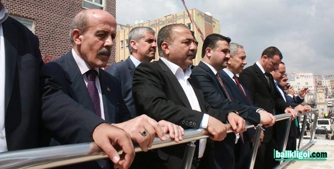 TBMM eski Başkanı Bülent Arınç, seçim kampanyası için Şanlıurfa'da