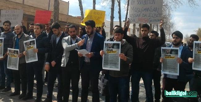 Üniversite Öğrencileri Sisi'ye lanet okudular