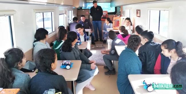 AB Bilim Karavanı, Şanlıurfa'da Kodlama Eğitimlerine Devam Ediyor