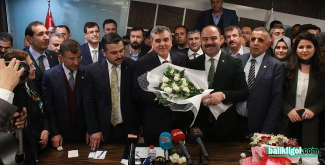 Başkan Zeynel Abidin Beyazgül göreve başladı