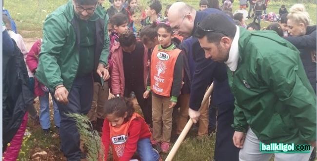 Minik Öğrenciler Osmanbey Kampüsünde Fidan Dikti