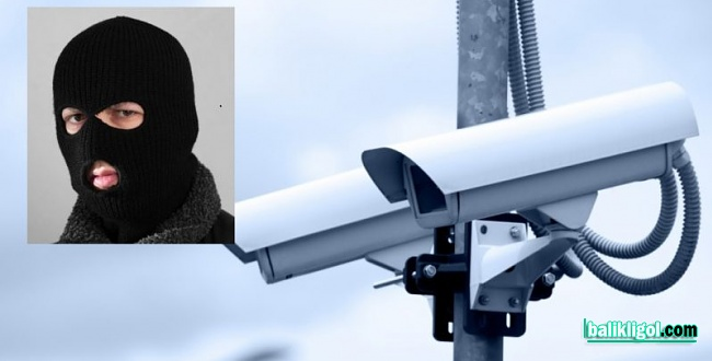 Şanlıurfa'da soğan hırsızları güvenlik kamerasına yakalandı