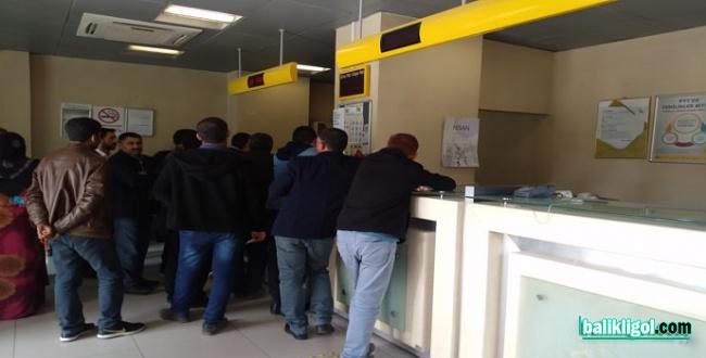 Şanlıurfa'daki PTT Şubelerinde yoğunluk