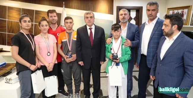 Büyükşehir Sporcuları Ulusal Platformlarda Ödüller Topluyor