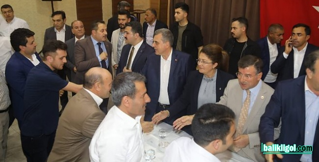 Şanlıurfa Belediyeleri ve AK Parti teşkilatı bayramlaştı