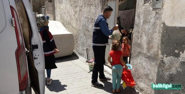 Şanlıurfa Büyükşehir Belediyesi meyve ikram etti