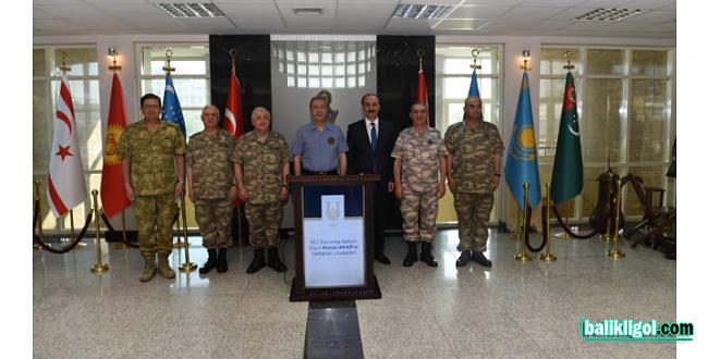 Millî Savunma Bakanı Akar ve Kuvvet Komutanları Şanlıurfa Valiliği'ni Ziyaret Etti