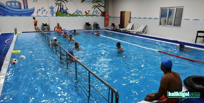 Urfa'da Engelliler İçin Özel Yüzme Havuzu Yapıldı