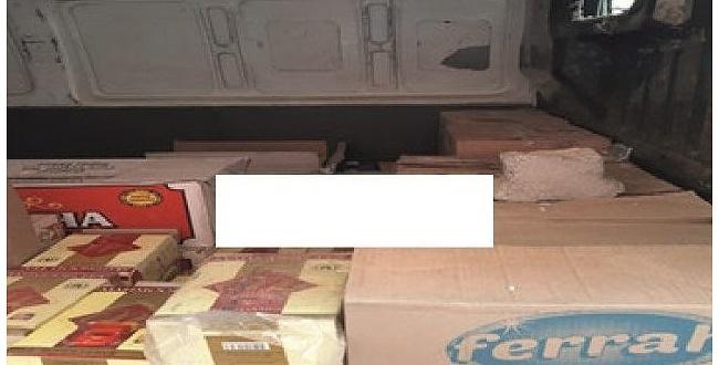 Şanlıurfa - Adıyaman karayolunda kaçak çay ele geçirildi; 2 kişi gözaltına alındı