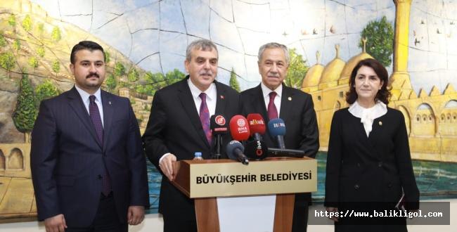 Bülent Arınç'tan Şanlıurfa Büyükşehir Belediyesi'ne Ziyaret